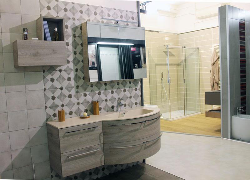 Box doccia e sostituzione vasca doccia a bologna e provincia for Arredo bagno doccia